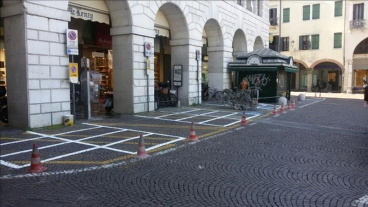 Nuovi parcheggi piazza delle Erbe.jpg